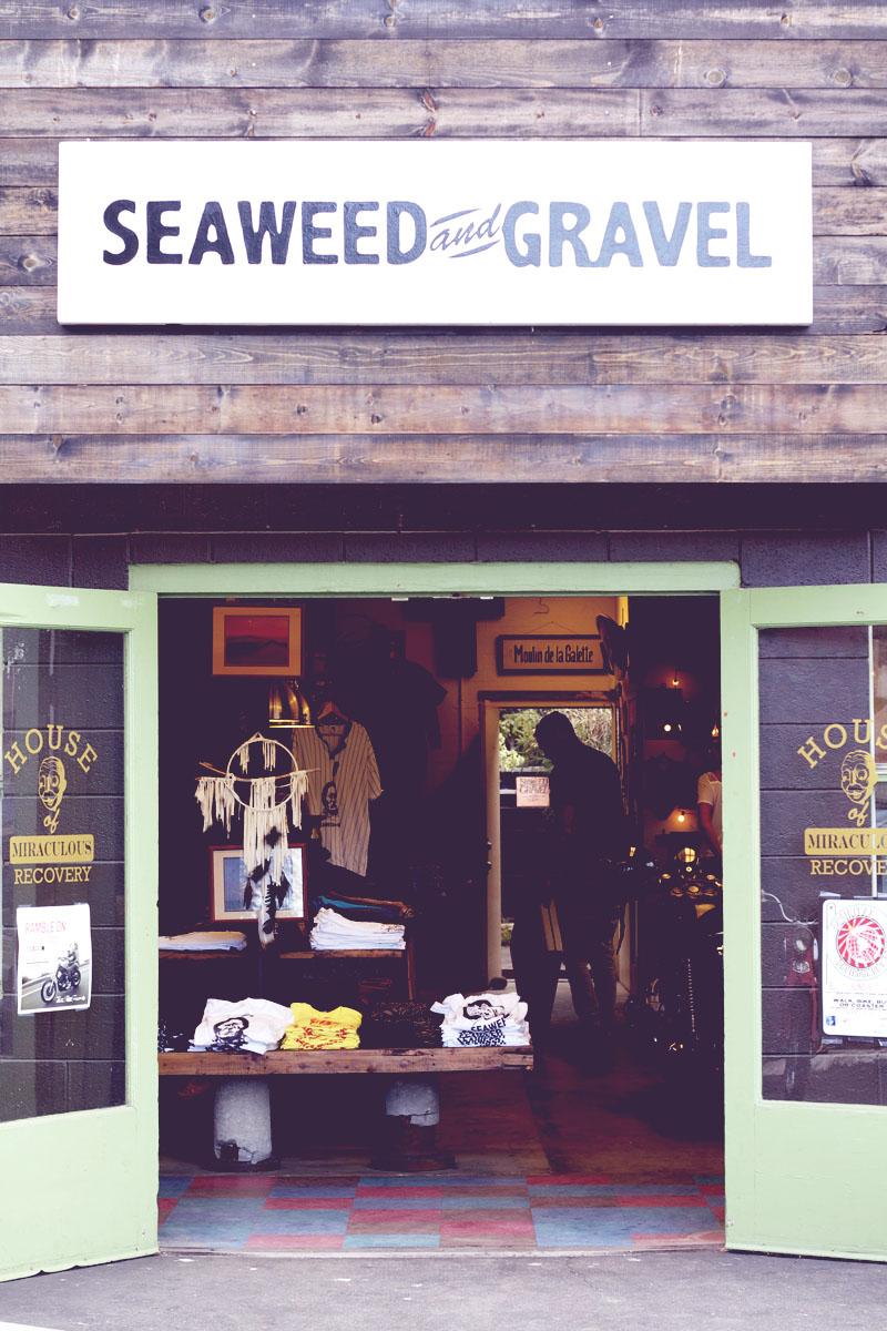 Seaweed and gravel in leucadia 6